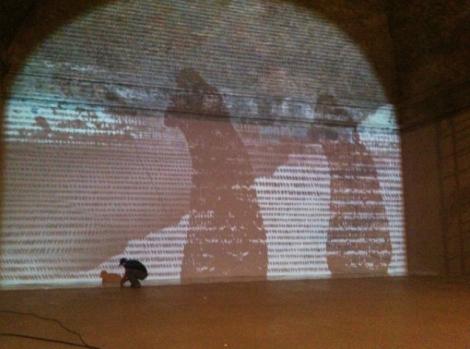 Michal Rovner, Cracks in Time, Oltre il muro, 2013. Castello di Rivoli. Foto: via Artribune