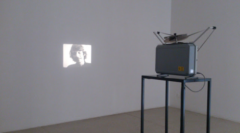 Bas Jan Ader, I'm too sad to tell you, 1971. Foto: Camilayelarte