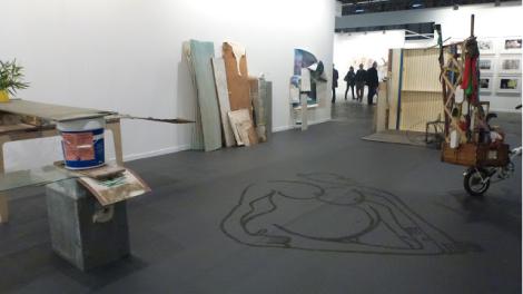 Abraham Cruzvillegas, Galería Chantal Crousel. ARCO 2013. Foto: Camilayelarte